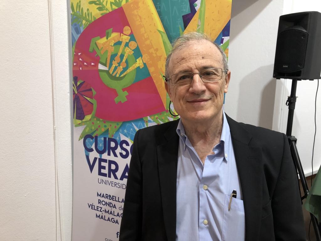 """Eduard Escrich: """"El aceite de oliva hace que vaya más lenta la progresión del cáncer"""""""