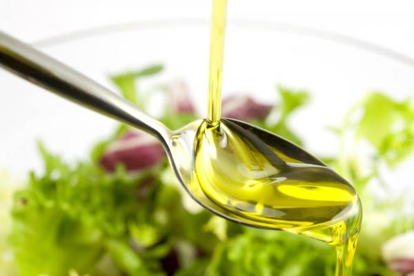 El aceite de oliva, la única grasa culinaria eficaz en la prevención de enfermedades cardiovasculares